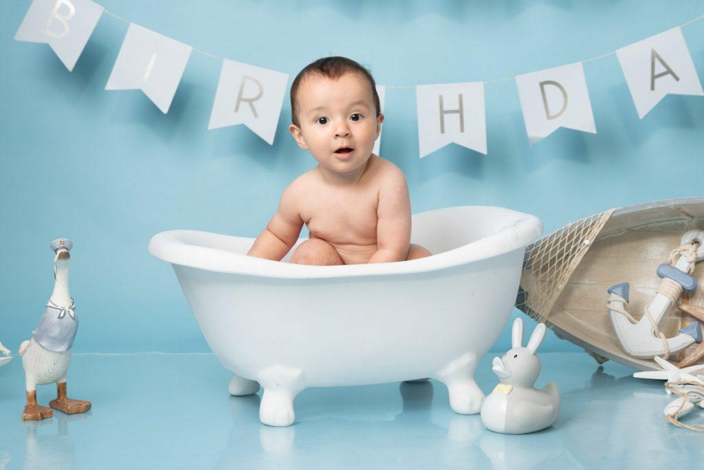 bathtub and sea photography for first birthdays