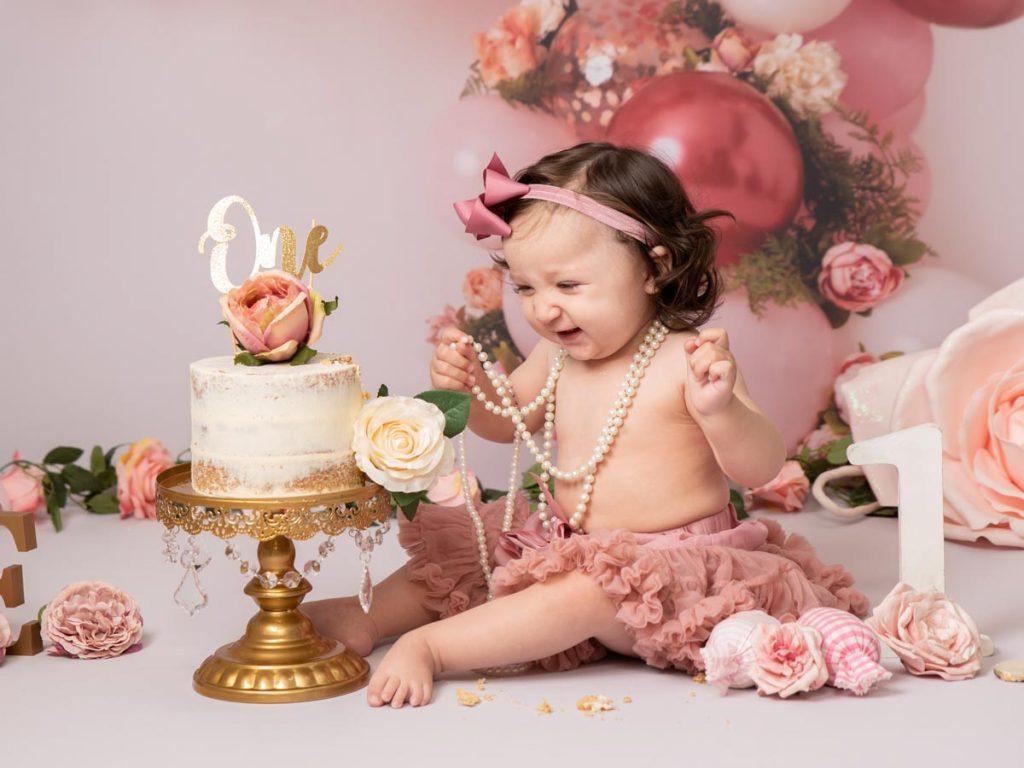 elegant and vintage cake smash photography