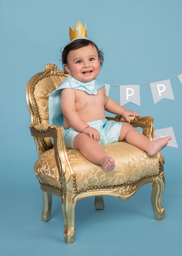 first birthday chair photoshoot as King