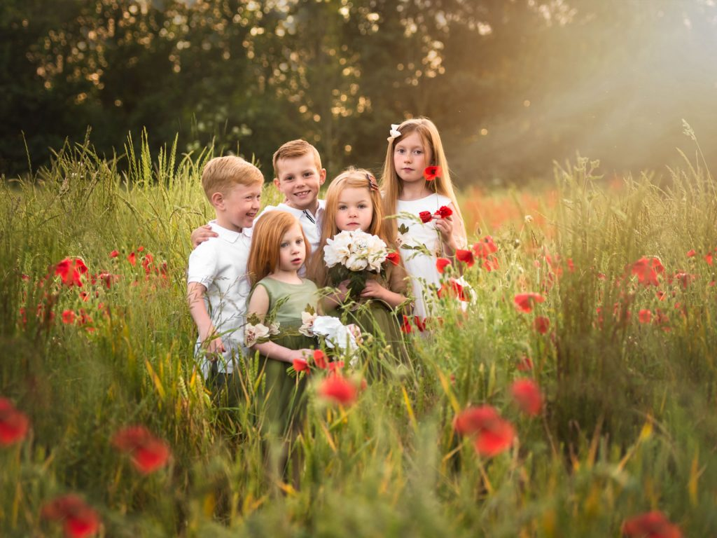 outdoor with poppies family and children location photoshoot