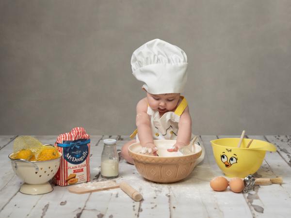 baby baking photoshoot