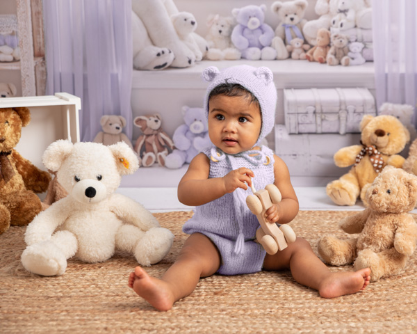 Stunning Baby Bear outfit baby sitter session
