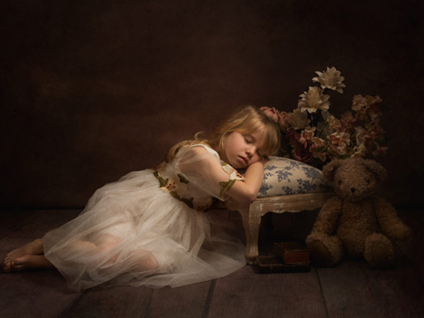 beautiful girl with teddy bear fine art photography sessions