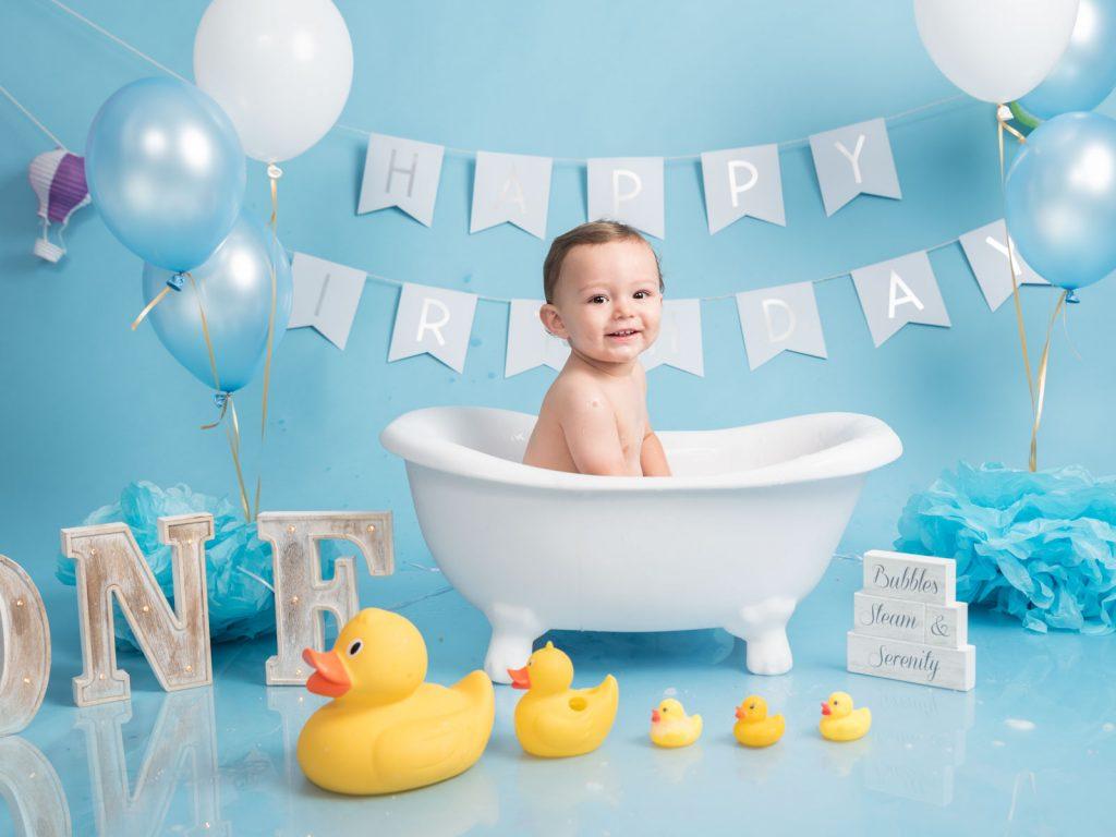 first birthday splash in the bath photoshoot