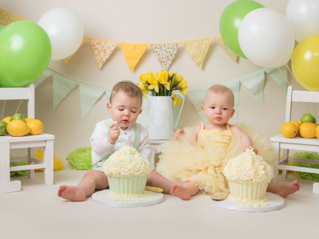 twin babies cake smash photography session