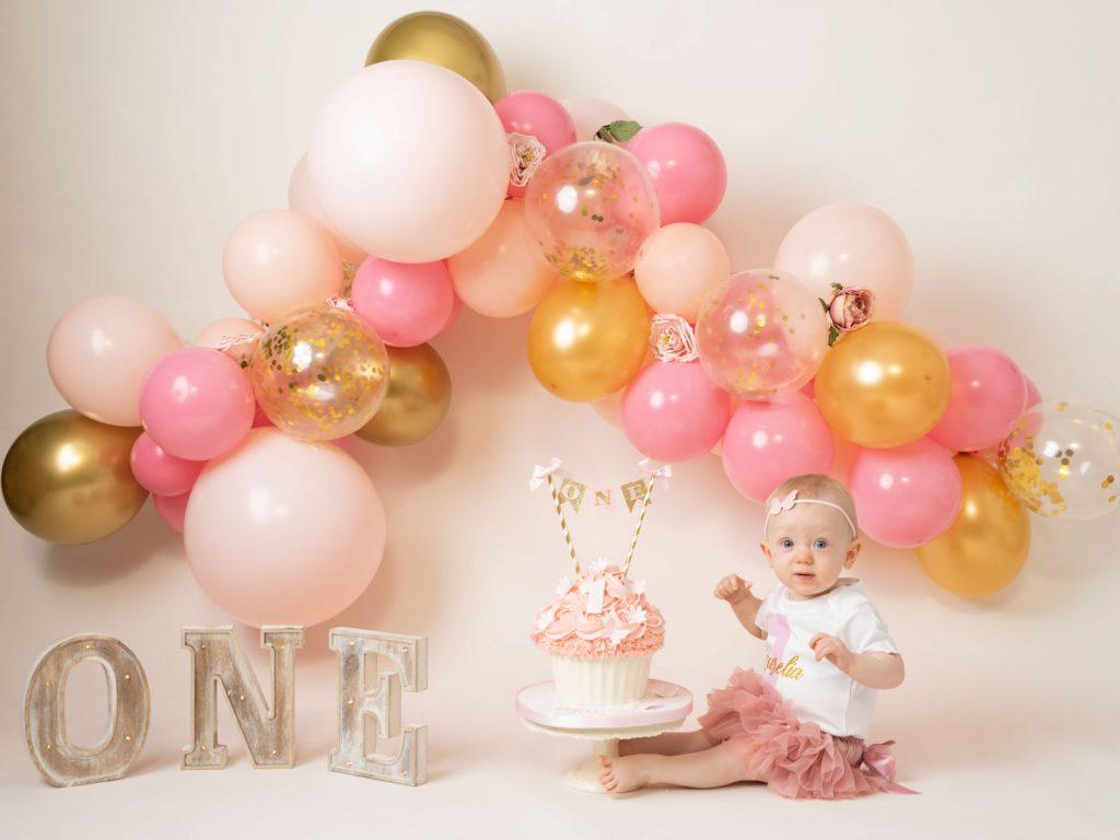 balloons and celebration cake smash photography