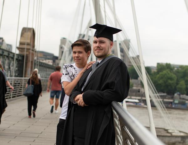 graduation outdoor photoshoot