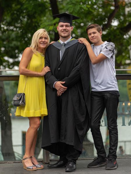 graduation family photoshoot