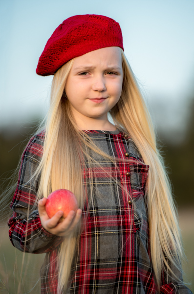 girl with an apple location shoot