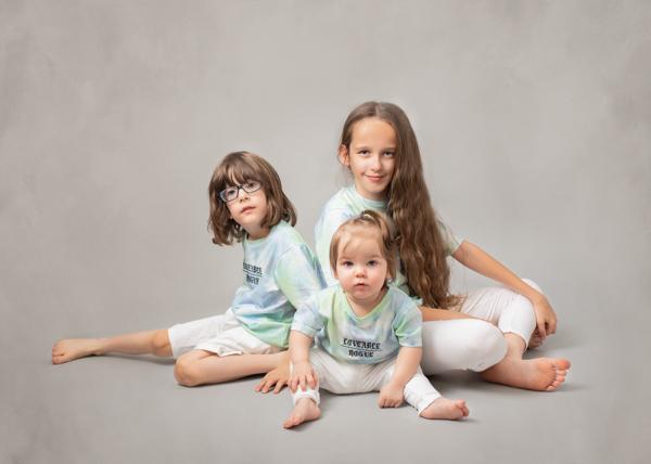 Tracy Main studio photos of family