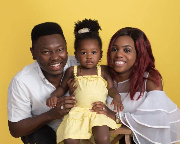 yellow themed family photoshoot